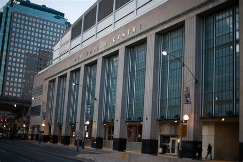 famous american architecture file air canada centre bay street facade jpg wikimedia