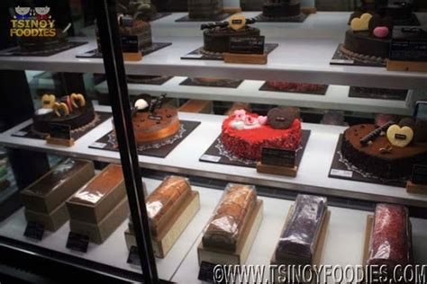 Tous Les Jours Lucky Rooster Cake tous les jours opens at jazz mall and tous les jours