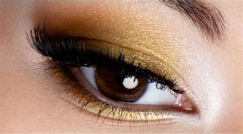 Eyeshadow Jadi Blush On satu alat makeup ini memiliki 3 fungsi apakah itu