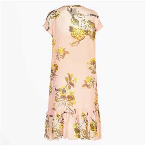 light pink midi dress part two helen midi dress light pink mr mrs stitch