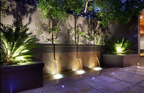 grote betonnen bollen tuin tips voor tuinverlichting