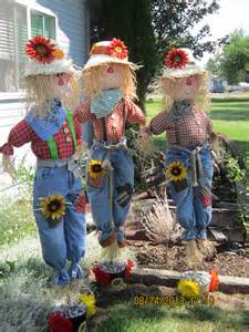 fall scarecrows harvest decoration fall