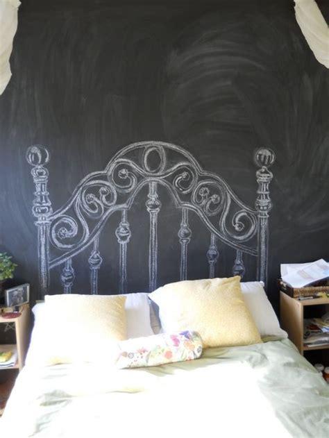diy chalkboard headboard originell und witzig gemaltes betthaupt diy chalkboard headboard schlafzimmer bedroom