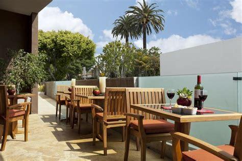 outdoor patio picture of elan hotel los angeles los