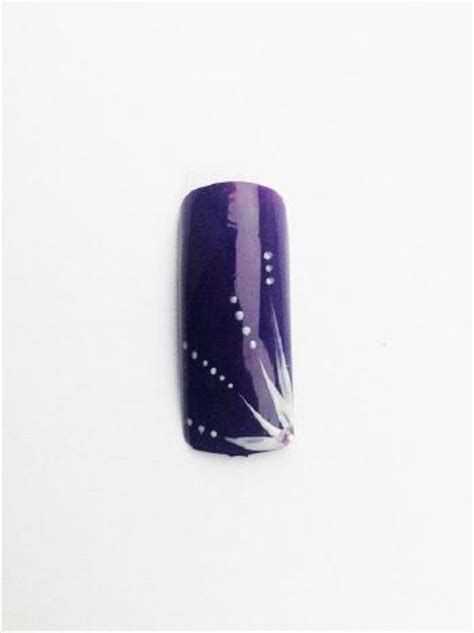 Deco Ongle Violet by Ongles Mauve Et Blanc