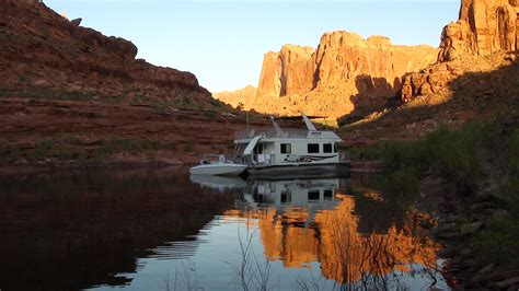 house boats lake powell file lake powell houseboat jpg