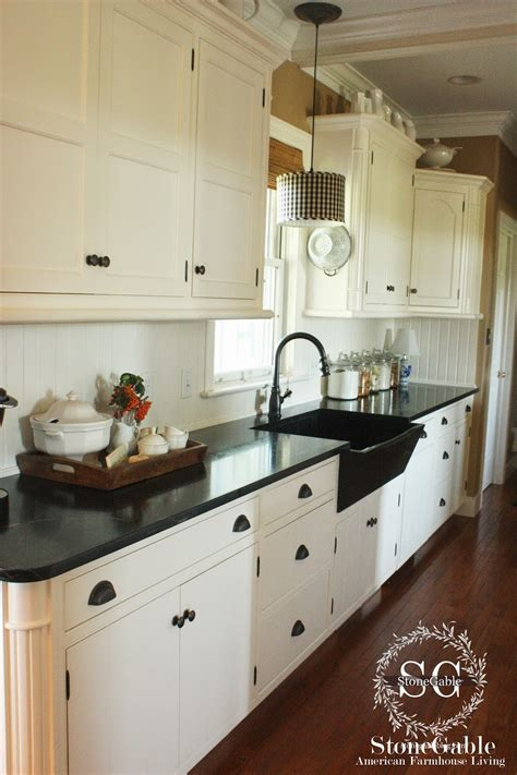 Painting My Kitchen Cabinets by 10 Elements Of A Farmhouse Kitchen Stonegable