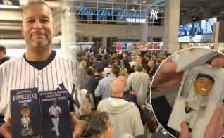 d mo bobblehead yanks offer fans 2014 tix after mo bobblehead fiasco ny