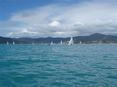 small boat licence queensland photo of airlie beach dinghy sailing free australian