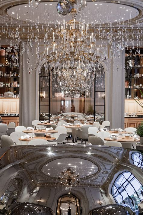 plaza athenee paris restaurant