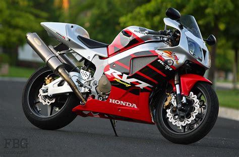 Honda Honda Rc51 Rtv1000r Moto Zombdrive Com