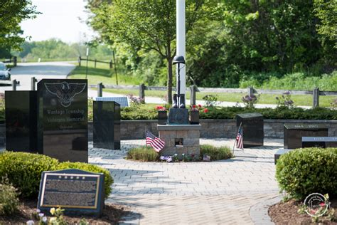 Woodbourne Lawn And Garden by Woodbourne Veterans Memorial 1 Of 8 Farmside Landscape