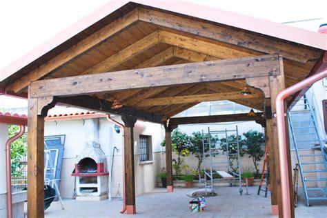 ingressi in legno coperture in legno su misura per esterni