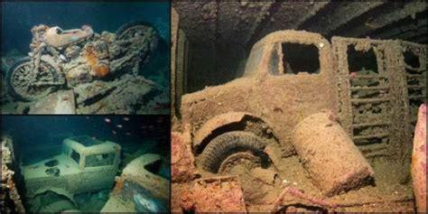 Batu Motif Ombak Laut Merah bagian sejarah di dasar laut merah merdeka