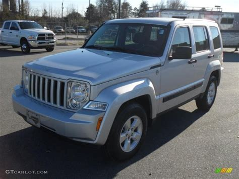 jeep liberty 2010 interior 2010 bright silver metallic jeep liberty sport 4x4