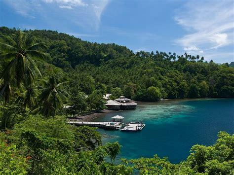 Paket Liburan Tour Bunaken Lembeh Bangka Scuba Diving kungkungan bay resort lembeh strait critter diving