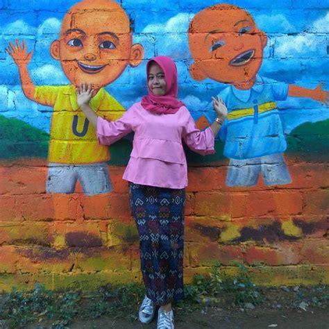 visit kampung pelangi  beautiful rainbow village