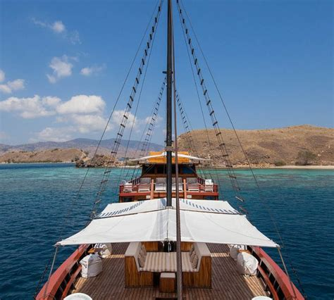 yacht price indonesia samata yacht charter details indonesian phinisi yacht