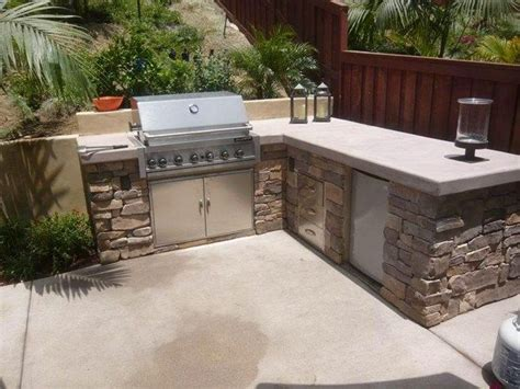 outdoor kitchen countertops ideas l shaped outdoor kitchen stone veneer concrete