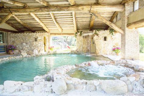 con spa privata offerte lastminute villa 10 14 persone piscina coperta
