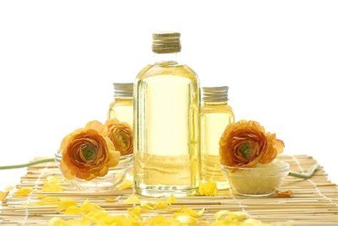 Minyak Kelapa Dunia 4 manfaat minyak kelapa untuk kecantikan republika