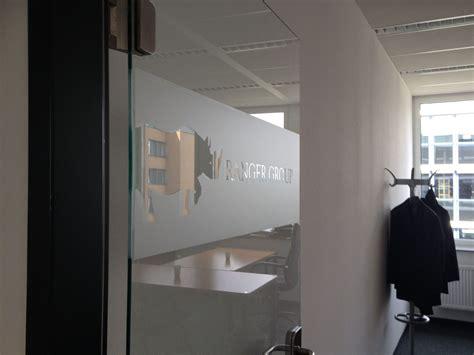 Sichtschutzfolie Fenster Logo sichtschutzfolie mit logo ranger b 252 ro d 252 sseldorf