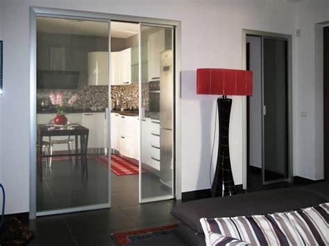 dividere la cucina dal soggiorno come separare la cucina dal soggiorno senza controindicazioni
