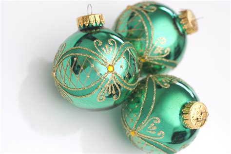 pictures of ornaments photo of green balls free images