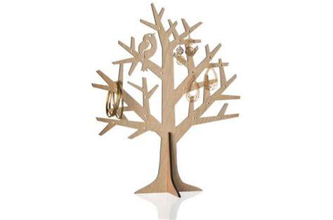Charmant Chaise Longue Design Jardin #3: porte-bijoux-la-chaise-longue-en-forme-darbre-bois-clair-design_125480_680x450.jpg