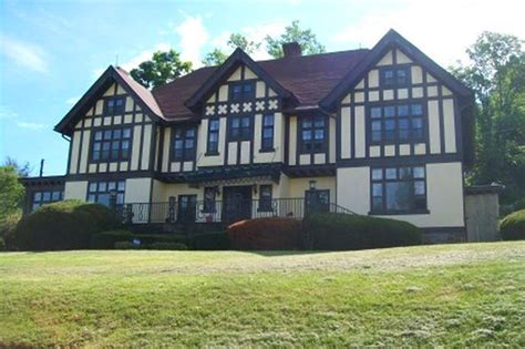 cheap mansions for sale 2016 live like tudor royalty in this 80 000 pennsylvania