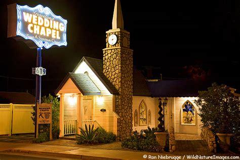 graceland wedding chapel las vegas wedding chapel photos