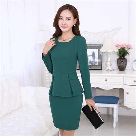 What Color Suit Is Best For Mba by 25 Best Ideas About S Skirt Suits On