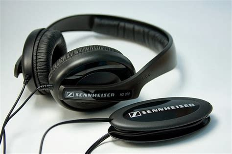 Sennheiser Hd202 Powerful Bass Headset gadget advisory budget headfi for 100 headfi