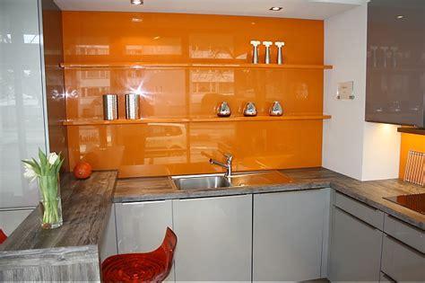 Zeilen Küche Günstig by Wohnzimmer Gelb Rot