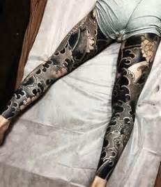 yakuza tattoo leg yakuza wives show their traditional tattoo during the