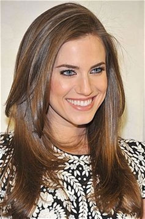 cut side hair into swimg hbo girls on pinterest girls hbo allison williams and