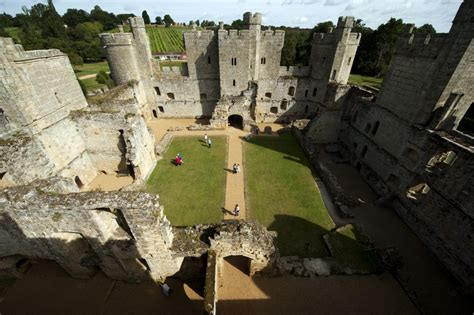 Bodiam Castle Floor Plan by Bodiam Castle In Sussex Moated Medieval Castle With A