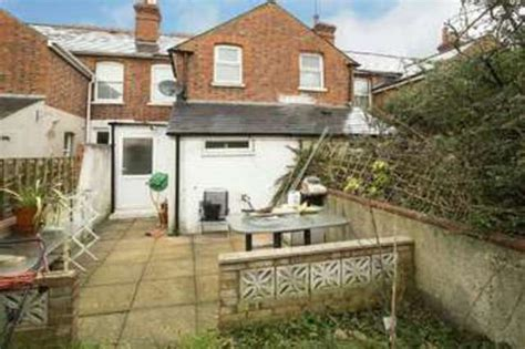 3 bedroom house for sale reading 3 bedroom terraced house for sale in coventry road reading rg1