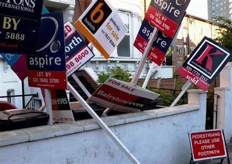 buy a house london first time buyers will need a salary of 163 106k to buy a house in london londonist