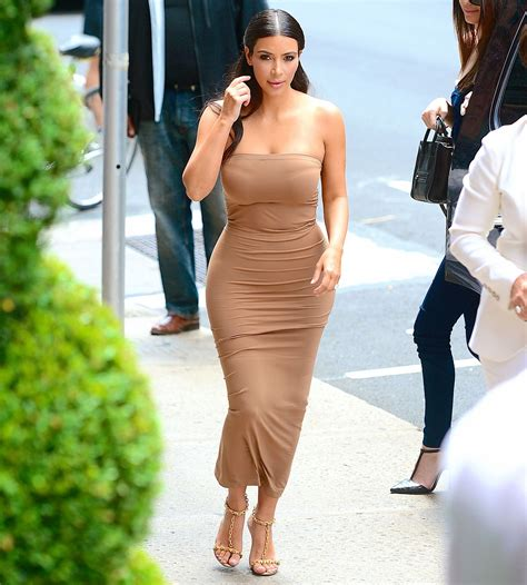 celebrity height and weight statistics kim kardashian height weight and body statistics