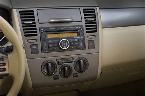 2008 nissan versa interior 2008 nissan versa sedan center dashboard picture pic