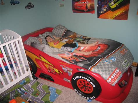 lightning mcqueen bunk bed awesome lightning mcqueen toddler bed replacement stickers