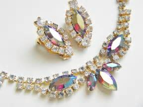Vintage Jewelry History – Aurora Borealis | Wayback Vintage Jewelry