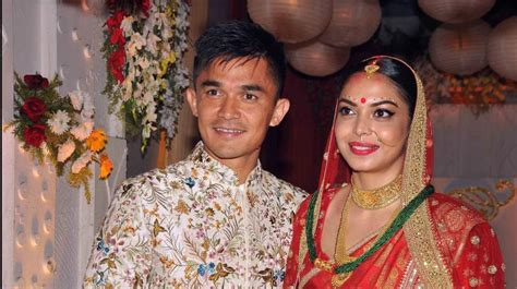 Topi Baseball League Of Legends 2 Keren Warung Kaos 3 see pics indian football team captain sunil chhetri weds