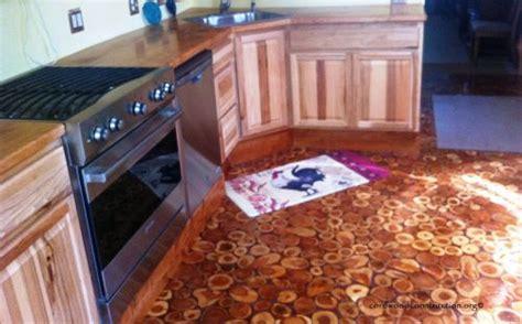 Kitchen Furniture Gallery pavimento fai da te con i dischi di legno