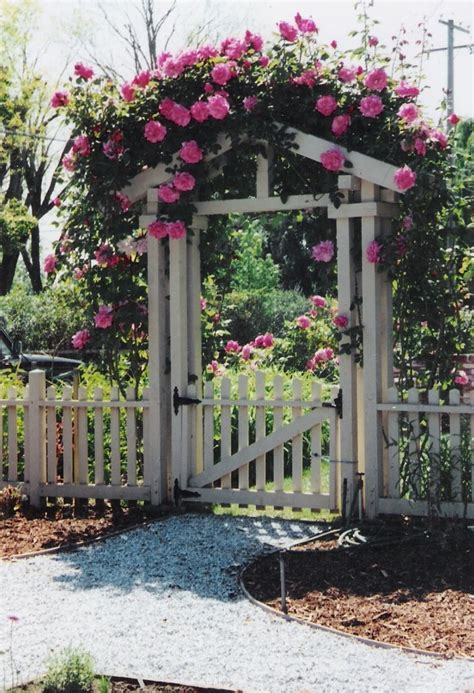 Garden Fence Gate Ideas Pictures Of Fences And Gates Fence And Gate Exterior