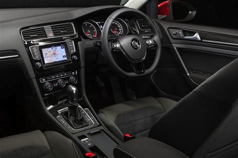 volkswagen golf wagon interior automotive news nz wagons roll new vw golf boosts