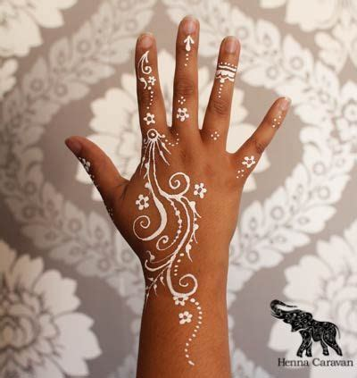 henna tattoo body art https www search q henna one finger henna