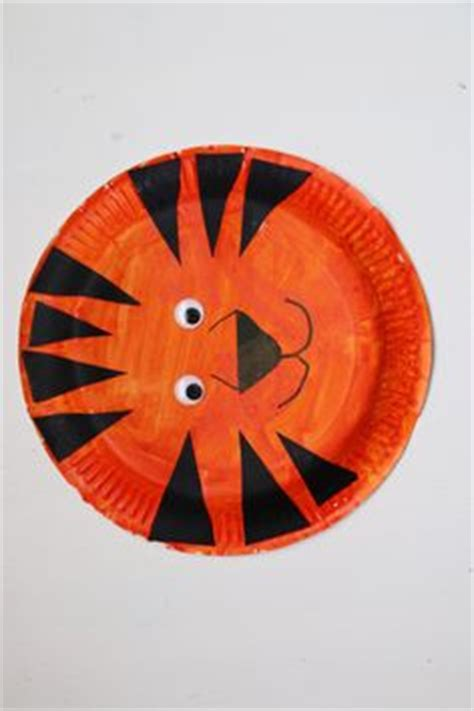 Tiger Paper Plate Craft - paper plate wolf craft for open house