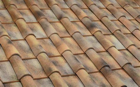 dachziegel mönch und nonne dachziegel koramic metalldach evertile dachpfannen